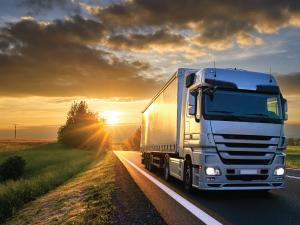 O MDF-e é o Manifesto Eletrônico de Documentos Fiscais, modelo 28 da tabela de documentos fiscais. Substituiu o modelo de documento 25 – Manifesto de Carga obrigatório para empresas que fazem transporte de cargas e efetuam a emissão do conhecimento de transporte.