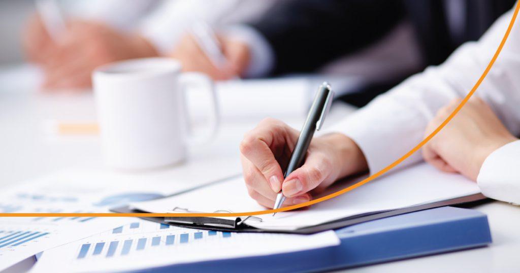O Supremo Tribunal Federal (STF), suspendeu o julgamento que discute a inclusão do Imposto sobre Circulação de Mercadorias e Serviços (ICMS) na base de cálculo das contribuições para o Programa de Integração Social (PIS) e a Contribuição para o Financiamento da Seguridade Social (Cofins).